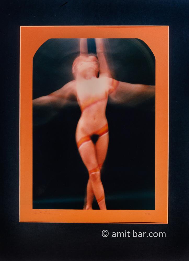 Dancer2: Dancing body-painted model