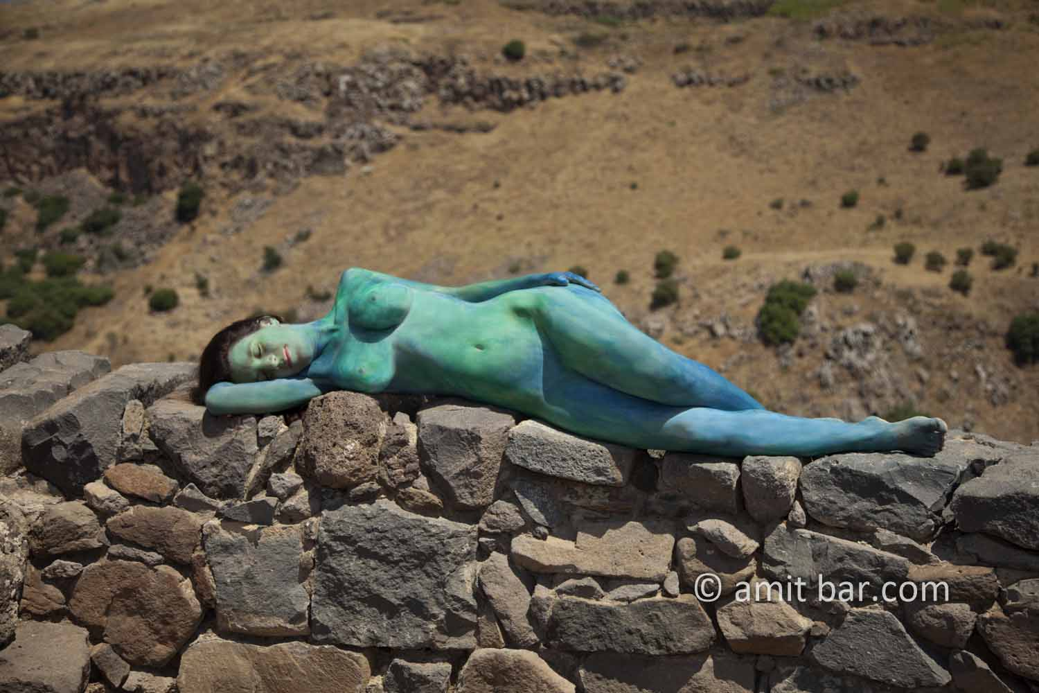 Gamla V: Body-painted model at the Gamla fortress in Israel