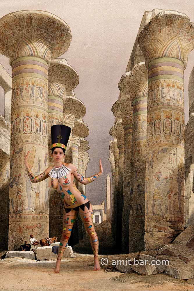 Nefertiti IV: Body-painted model at the temple of Karnac, Thebes, Egypt