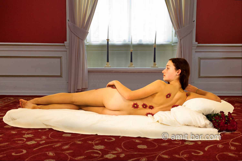 Venus of Urbino II: A modern, body painted version of Venus of Urbino.