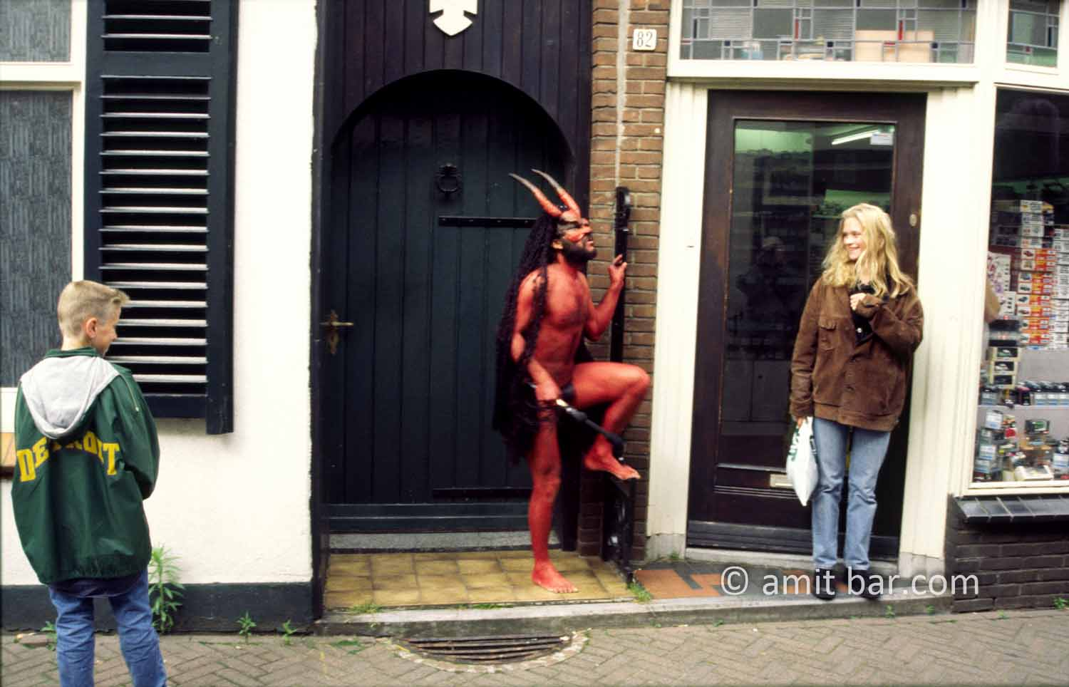 Who's afraid of the devil?: Street theater festival in Doetinchem
